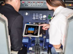 FAA Evaluates Tablets as an Upgrade to Traditional Cockpit Controls