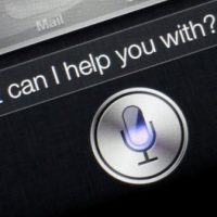 how to change cortana from female voice to male voice